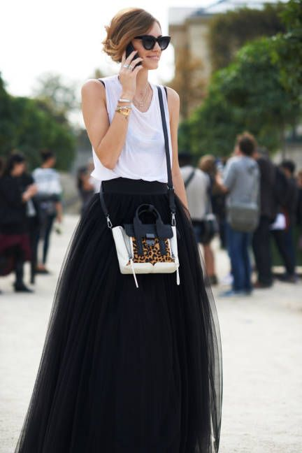 We ADORE this black tulle skirt | The best of Parisian street style.
