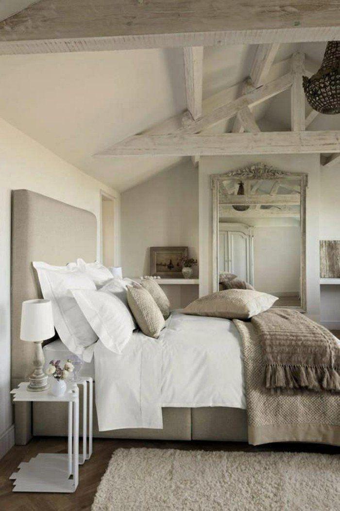 Chambre couleur taupe bien aménagée