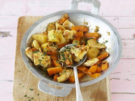 Wokpfanne mit Hähnchen, Karotten und Quitten