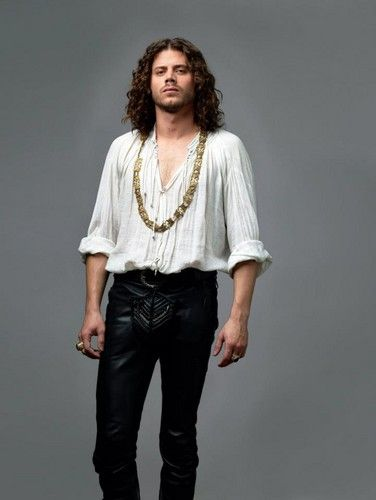 Why cant men wear tight pants and jewelry anymore? Francois Arnaud as Cesare Borgia