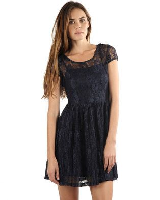 Vero Moda brings you thislacyNanna Short Dress, availablein a deep, navy blue hue. This cap-sleeved dress is inspired by vintage fashion, with a lace overlay and a gathered skater skirt reaching mid-thigh. The cutesy-chic style ensures you have an effortless, preppy and sophisticated outfit.