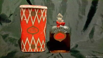 Buy and order Perfume RED MOSCOW 1966год USSR vintage rarity! seal on Livemaster online shop. Shipped over Russia and the CIS. Production time: <br />. Materials: cardboard design, perfume, perfume,…. Dimensions: Height of the bottle with cork about…