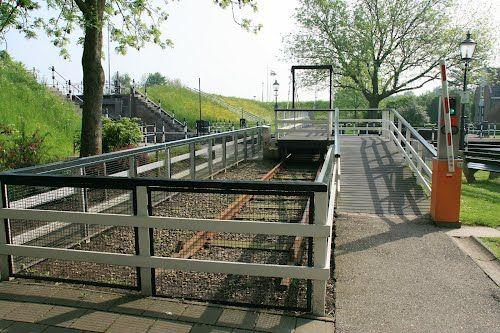 De Heen - Sluis Beneden Sas : Mobiele brug - John Scholte