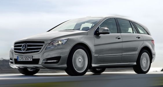 2011 Mercedes-Benz R-Class in this year do on the styling and the minor interior enhancements.