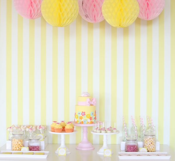 Summer partySweets Style, Kids Parties, Tables Display, Parties Ideas, Shower Curtains, Parties Tables, Gardens Parties, Desserts Tables, Pink Parties