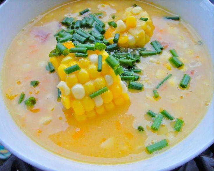 Kukuřičná polévka - na oleji osmahneme cibuli, přidáme mraženou kukuřici,  pepř, sůl, zalejeme mlékem a vaříme doměkka.