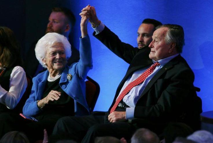 George H.W. and Barbara Bush salute Houston's Harvey responders