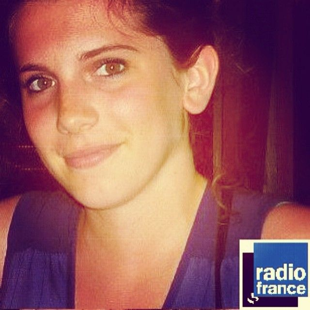 Claire: She's working at Radio France, as community manager. Sociable, media savy, friendly, reliable and really found of what she works for, her hashtags: #media #paris #sarfachou #celsa