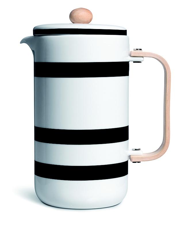 Omaggio Coffee pot by Ditte Reckweg and Jelena Schou Nordentoft