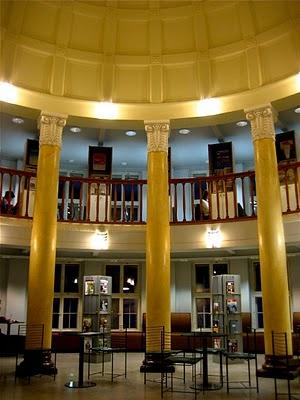 Kallion kirjasto The Kallio Library of Helsinki City Library