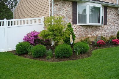 Landscaping Ideas For Large Front Yards Love Those Flower