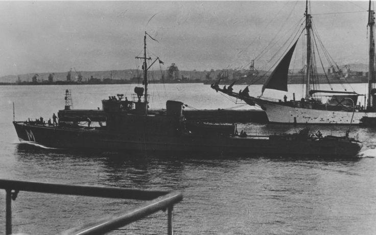 """ORP """"Mewa"""", trałowiec redowy PMW. W służbie od 25 października 1935 do 3 września 1939 (zatopiony przez Luftwaffe w porcie helskim, wydobyty i wcielony do Kriegsmarine jako """"Putzig"""", po wojnie w Marynarce Wojennej PRL). Wyporność 183-203 tony. Załoga 30 marynarzy."""