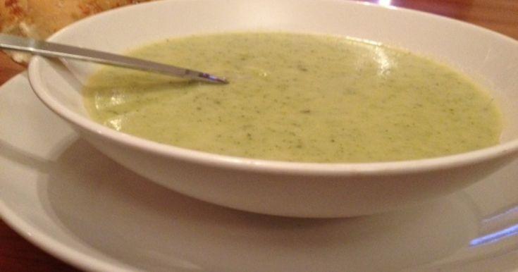 En klassisk soppa i ny variant! Lite extra gott och nyttigt med broccoli i.