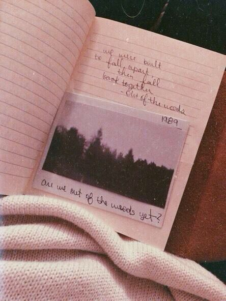 creds @babyimyourqueen. I should do this! Write a favorite quote and put a picture there of it. :) Quote of the day. :)
