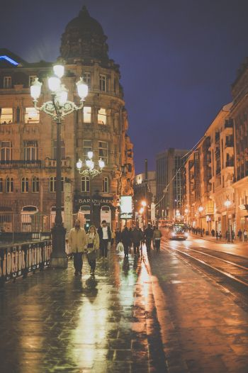 People Walking the Streets of Bilbao Spain at Night | photography by kerrymurray.com/