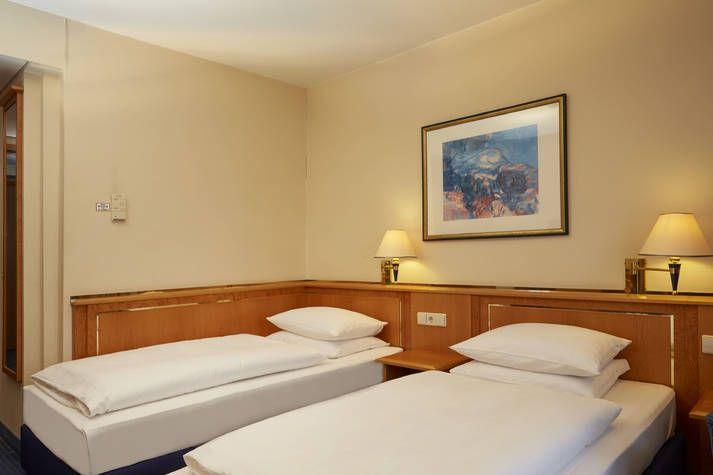Komfort Twin Zimmer im RAMADA Hotel Magdeburg
