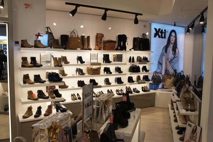Llena tu árbol de regalos este 6 de Enero con la mejor colección de XTI y enamorate de la moda Europea mas vendida en España ahora en México. Visitanos: http://0s4.com/r/LZ0NVG