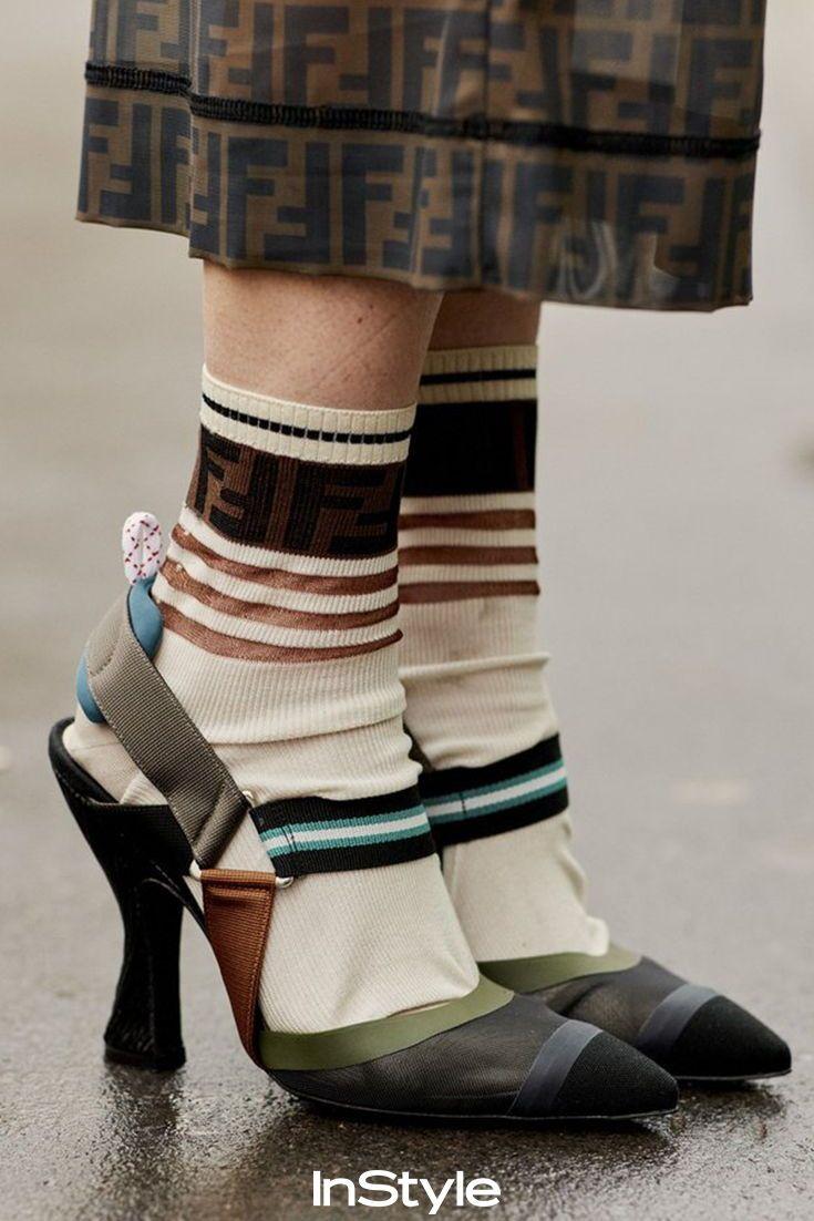 79fce0d9ada1f Socken und High Heels sind das neue Must have. Wir zeigen dir wie du die