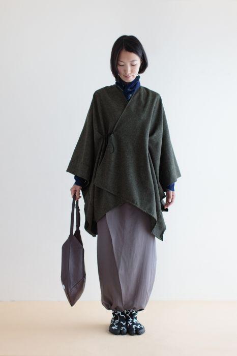 Kisaragi Poncho Furui Weaving Wool Dark Tea Brown : SOU • SOU US Online Store