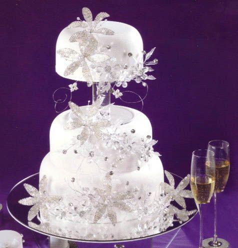 Wedding Cake With Jewels And Flowers cakepins.com