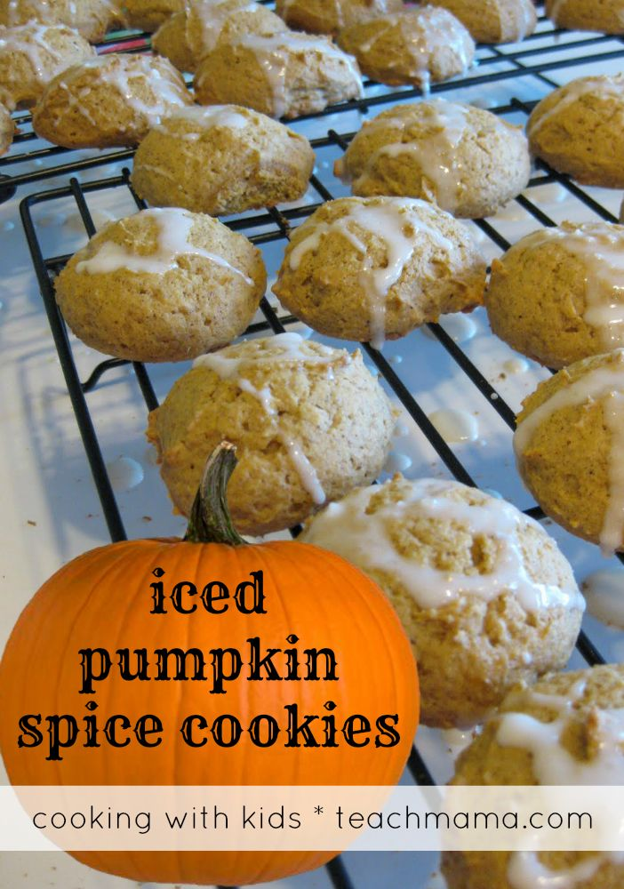 recipe reading (and cookie eating) | iced pumpkin spice cookies with printable recipes for cookie with kids or sharing with pals.