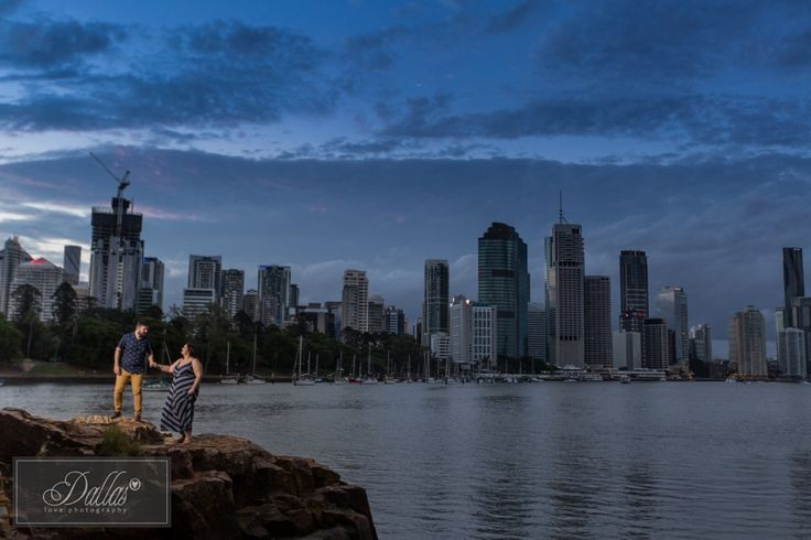 FULL FEATURE: http://dallaslovephotography.com/?p=14773 #dallaslovephotography #kangaroopointcliffspark #engaged #brisbaneweddingphotographer