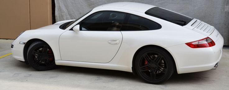 White Porsche 996 Carrera GT3