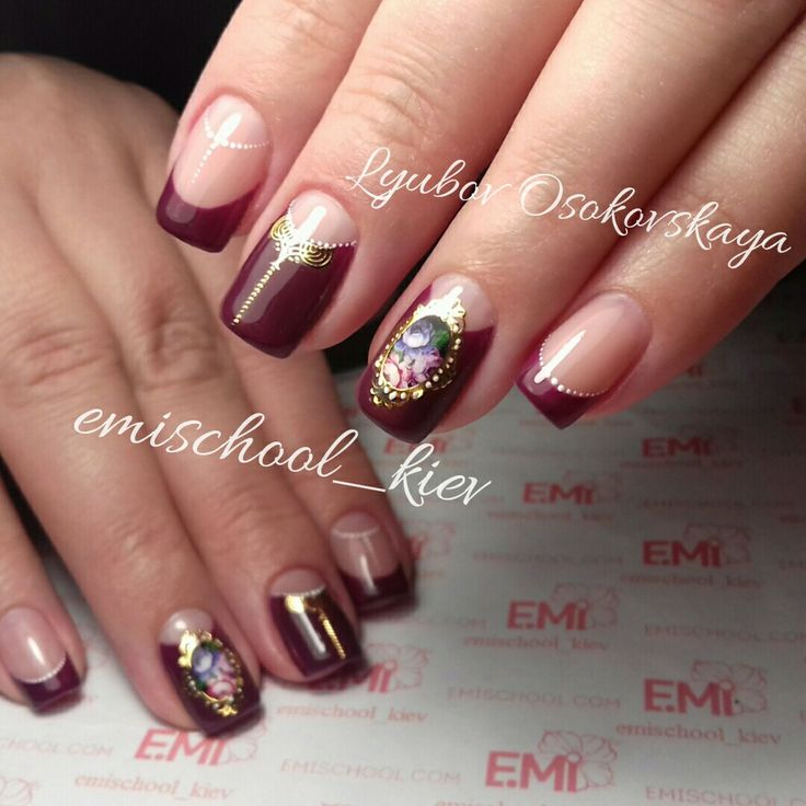 @pelikh_ E.Mi school nails