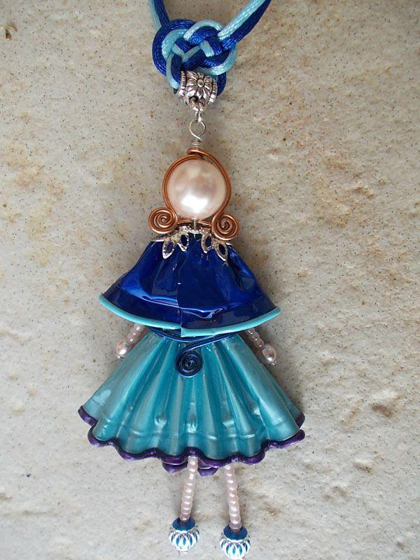"""Pendentif """"Mademoiselle"""" en capsules de café et de thé - camaïeu de bleus - sautoir et collier matinée - BERRYSSIME - Fait Maison"""