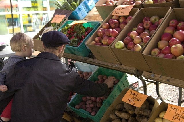 Vancouver Farmers Market springs to life