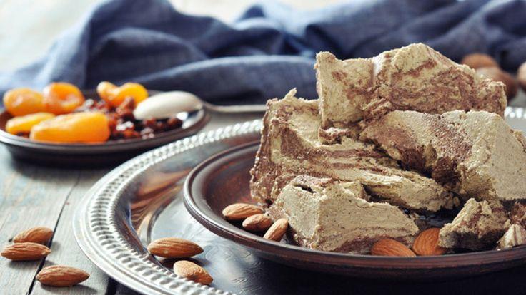 Экология потребления. Еда и рецепты: В отличие от магазинных сладостей, домашняя халва готовится только из природных продуктов...