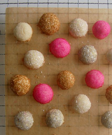 17. sweet eats or savory treats (glitter cookies from Purl Bee) #modcloth #wedding