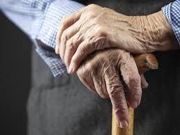 Je bent bejaard vanaf je 65e. Je stopt dan met werken. De meeste beginnen dan met vrijwilligerswerk om toch nog activiteit in hun leven te hebben. Vaak verliezen bejaarden hun geliefde en andere belangrijke in hun leven.