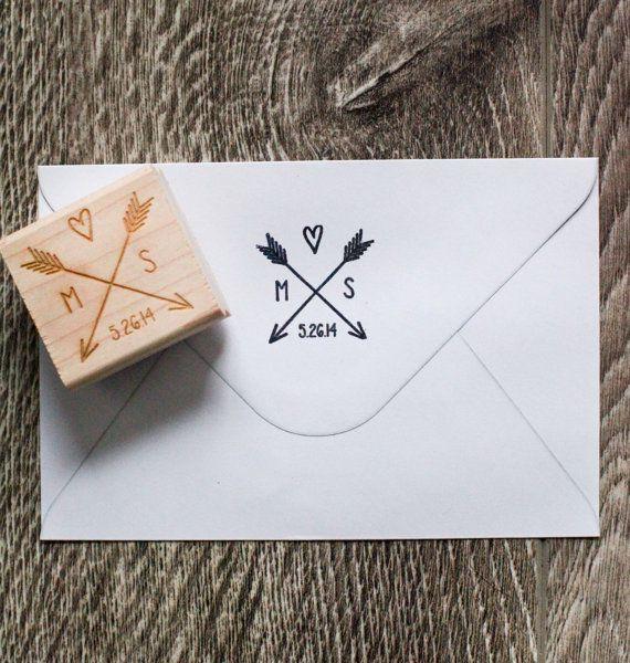 Flèche avec cœur et initiales de mariage par RedCloudBoutique, $19.00