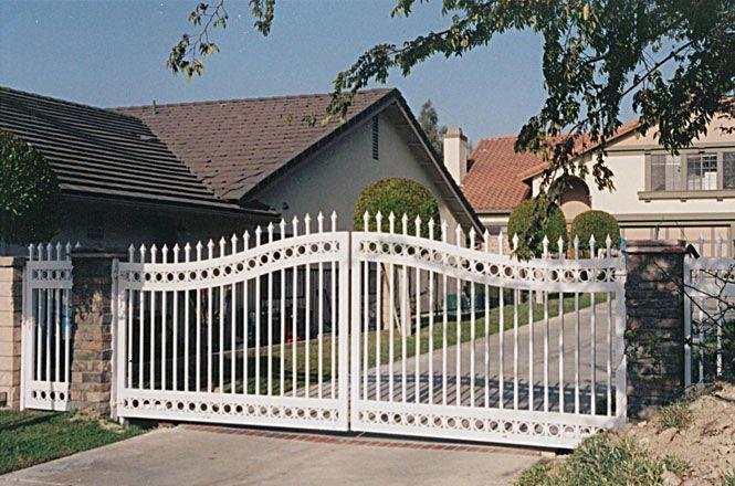 Vinyl Driveway Gates for Sale   Aluminum Frame Vinyl Decorative Driveway Gates