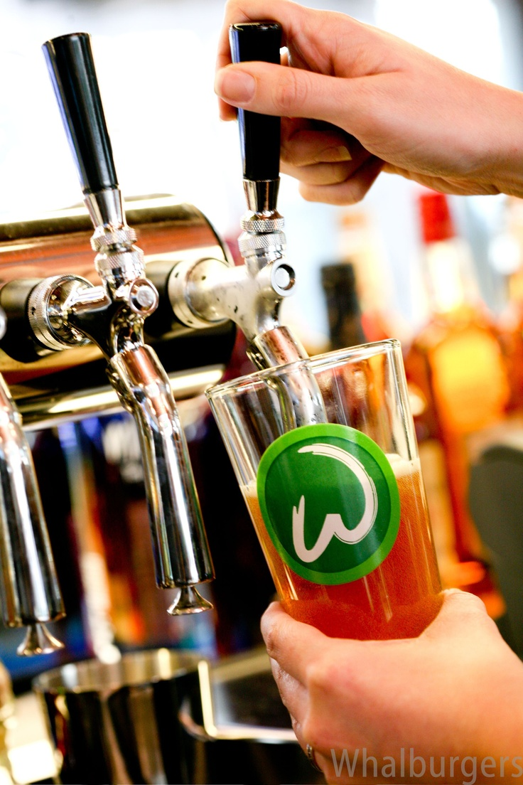 Pouring perfect beer at Whalburgers