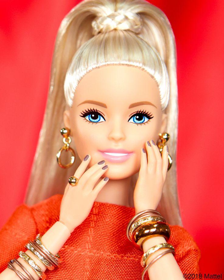Holly. Jasonoma.   Maquillaje barbie, Ropa para muñecas