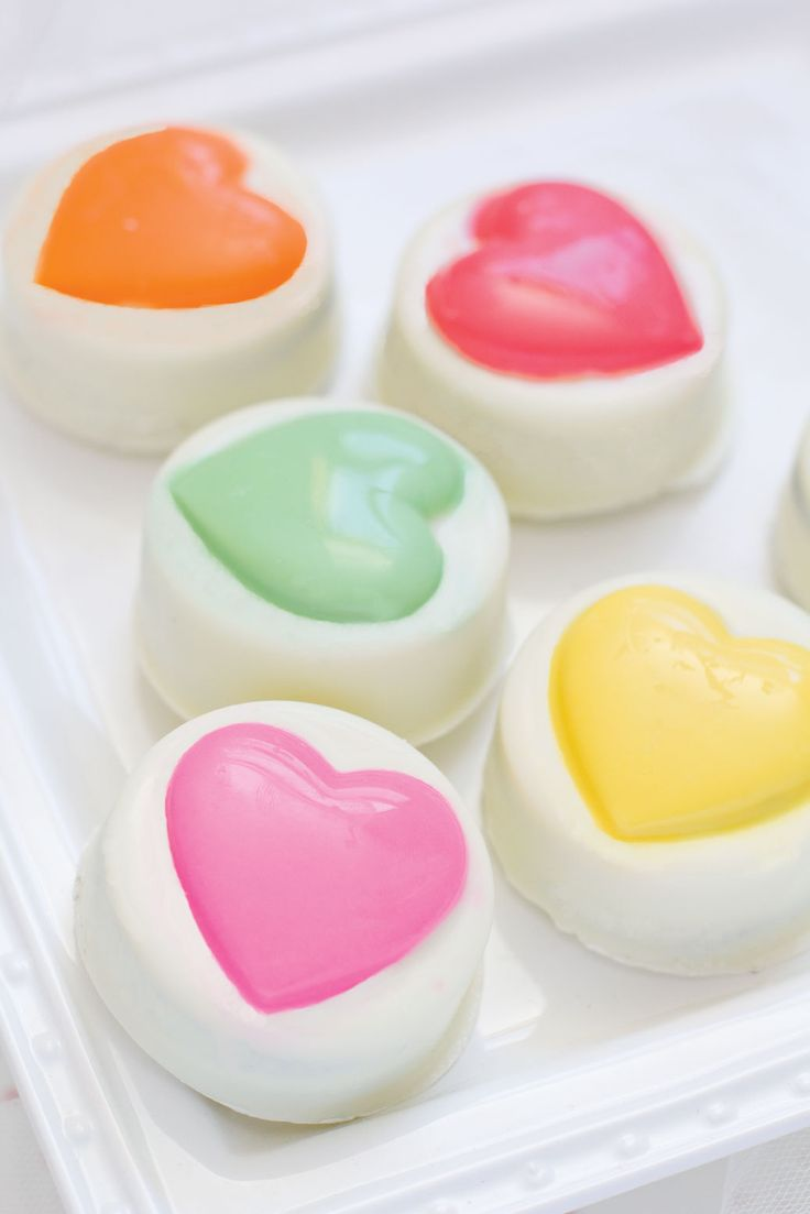 Chocolate Covered Oreos Big Heart Cookie Mold  $10.00 http://www.fancyflours.com/product/Chocolate-Covered-Oreos-Big-Heart-Cookie-Mold/valentines-party-theme