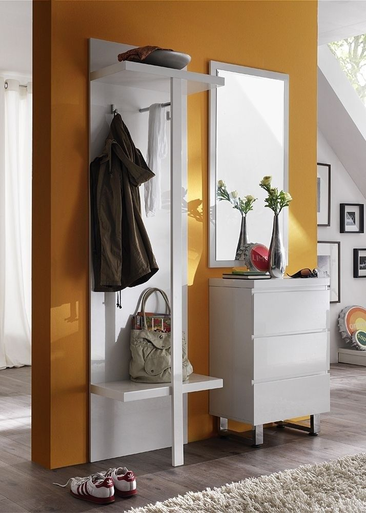 Garderobe komplett Set 5 Weiß Hochglanz 4692. Buy now at https://www.moebel-wohnbar.de/garderobe-komplett-set-5-weiss-hochglanz-4692.html