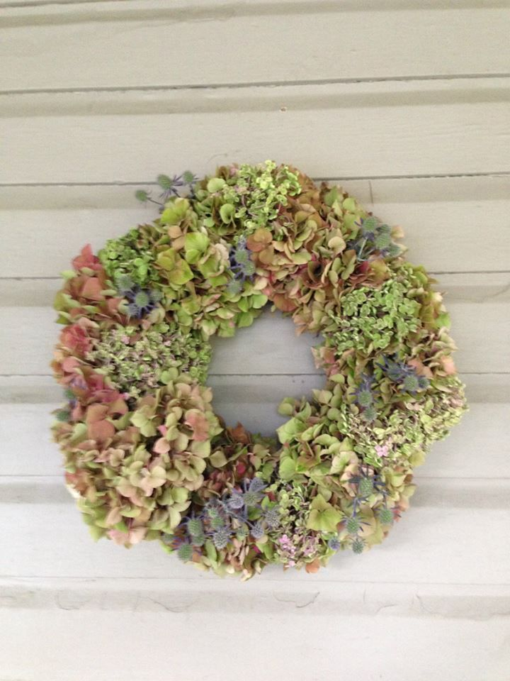 wreath with hydrangea and thistle