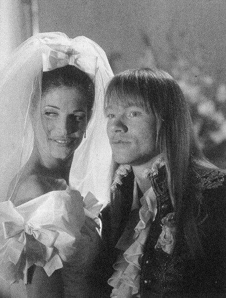 Stephanie Seymour & Axl Rose in the November Rain video
