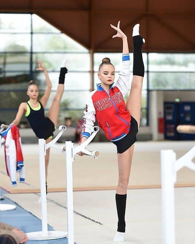 Художественная гимнастика фото с тренировок