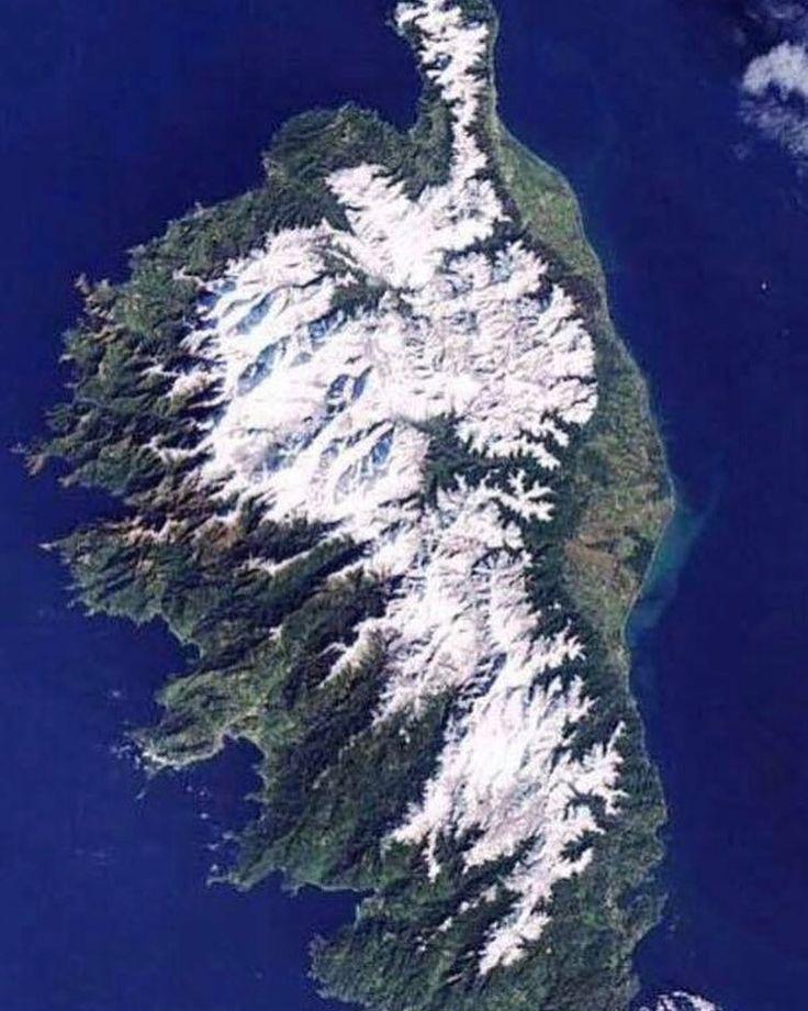 A #Corsica sottu à neve  Belle semaine à tous & soyez prudents sur les routes! Laissez-vous transporter vers la #Corse avec #CorsicaLinea