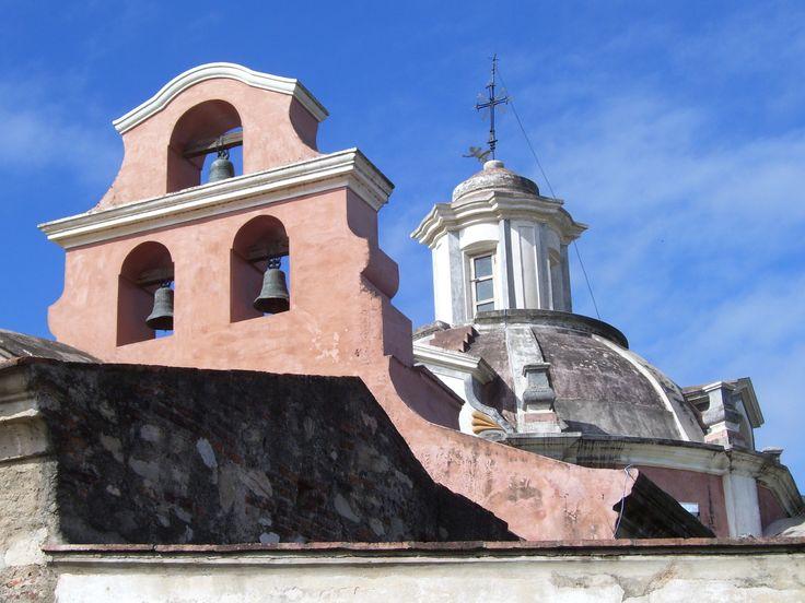 Estancia jesuítica de Alta Gracia, cúpula y espadaña