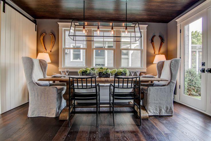 Vintage White Oak Noir Hardwood Floor