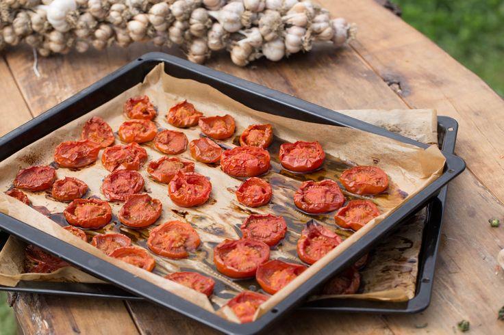 Naložená pečená rajčata s česnekem a tymiánem