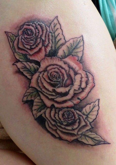 tatouage en cours de roses rouges cette premi re s ance. Black Bedroom Furniture Sets. Home Design Ideas