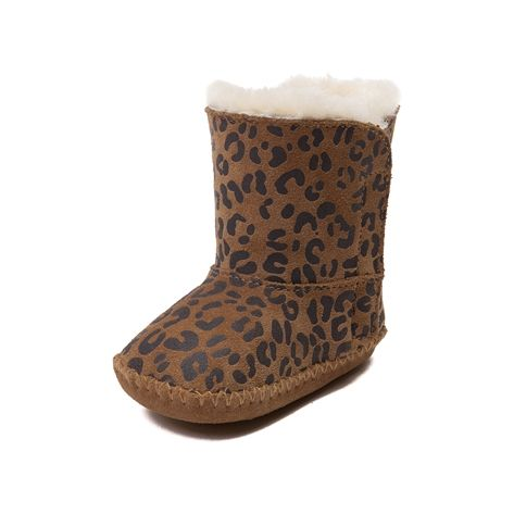 Shop for CribToddler UGG® Cassie Boot in Chestnut at Journeys Kidz. Shop today for the hottest brands in mens shoes and womens shoes at JourneysKidz.com.Delightfully comfy UGG boot for the tiniest of feet. The Cassie features a suede leopard print upper and soft sheepskin lining the shell just fall in love with. Stylish, comfortable, and adorable.