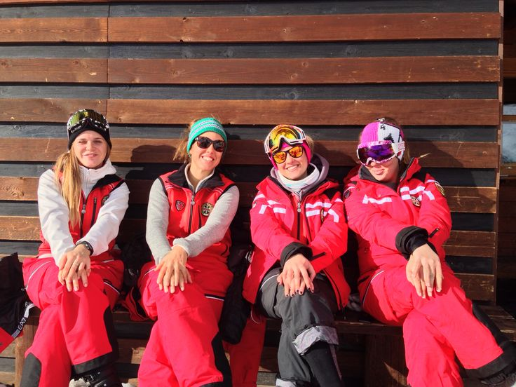 I nostri super maestri di sci e snowboard! #SkiCourmayeur #ScuolaSciCourmayeur #ski #snowboard #sci #sciare #sport #freeride #freestyle #skitour #corsisci #corsisnowboard #lezioniprivate #minigruppisci #minigruppisnowboard #collettivesci #collettivesnowboard #skisafari #courmayeur #montblanc #montebianco #alpi #valledaosta #italy #travel