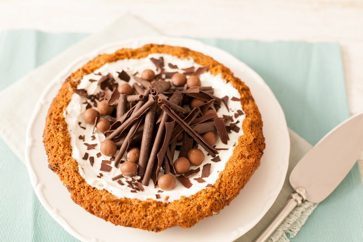 Chocolate Vanilla Ice-Cream Pie from www.ilovecooking.ie get the full recipe here http://www.ilovecooking.ie/recipe/chocolate-vanilla-ice-cream-pie/